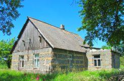Maja Mustla lähedal